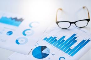 Mittelfristige Haushaltsplanung - Copyright: Copyright: istock.com_peopleImages
