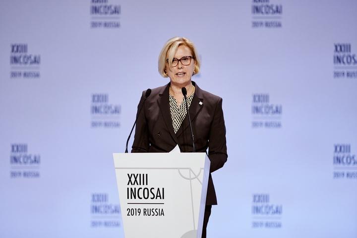 Präsidentin Kraker beim Incosai in Moskau - Copyright: